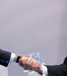 B5ee94 putin trump handshake 1 x220