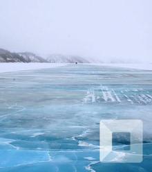 88e91d 800px mackenzie river ice road  c x220