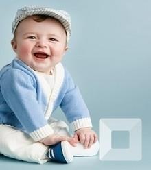 Cd09ce people children a child in a cap 051047  x220