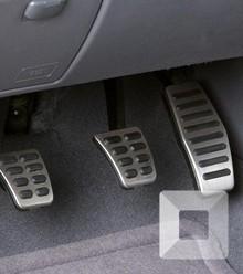 969127 2008 kia rio clutch brake and gas pedals photo 225892 s 1280x782 x220