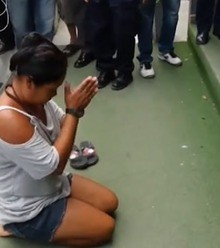142074 thai woman bows to king large trans qvzuuqpflyliwib6ntmjwfsvwez ven7c6bhu2jjnt8 x220