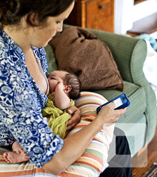2b8a0f texting and breast 2505149a x220