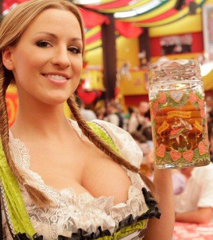D9f3ca german girl octoberfest x220