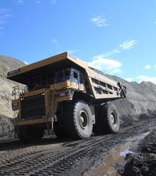 051052 coal truck 4 x220