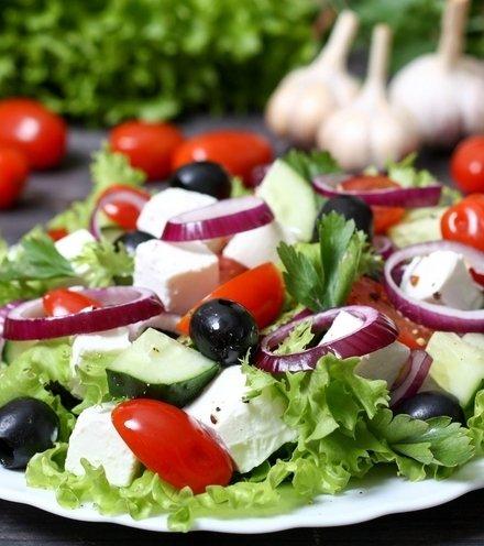 4dffb9 chopped salad go living healthy x220