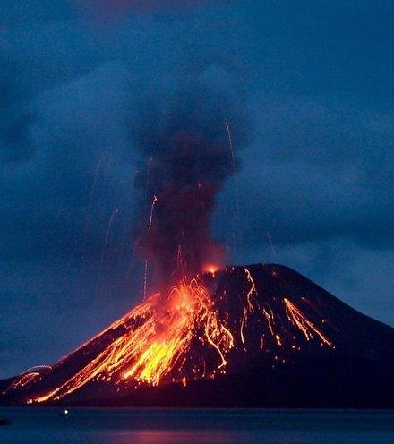 F3b44f indonesia volcano erupt x220