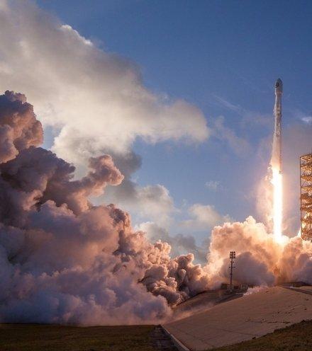 04f7e3 falcon 9 launch x220