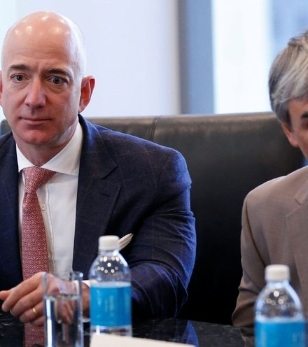 E60b74 jeff bezos trump tech summit e1522263527750 x220
