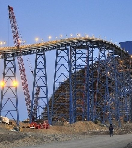 26c7a3 rios oyu tolgoi mine in mongolia hit with 155 million tax bill x220