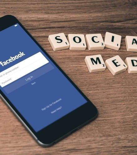 468568 facebook screen mobile x220