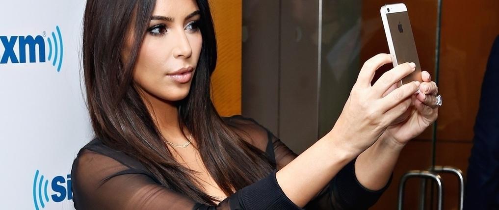 00c4a8 kim kardashian selfie 1  h678