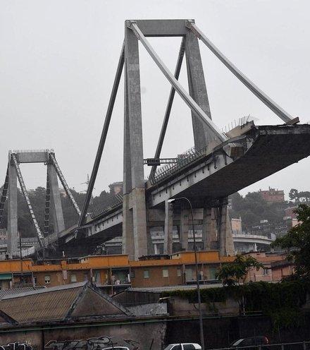 F8f5d7 genova bridge collapse 1 x220