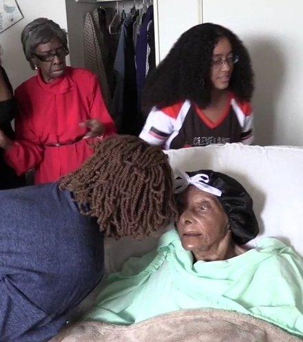 18dc7e us oldest person x220