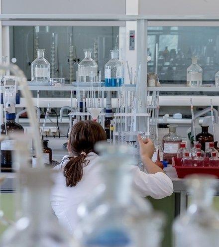 5f9e62 laboratory 2815640 1920 x220