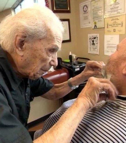 E4f360 oldest barber x220
