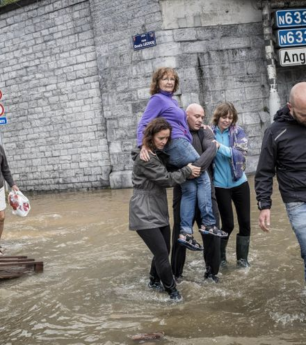 Hz0yui german floods x220