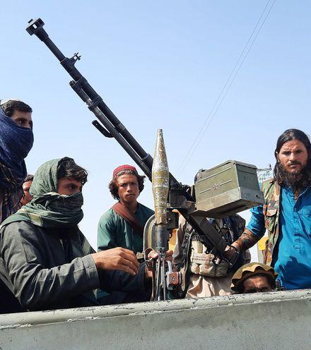 Taij70 talibans in kabul x220