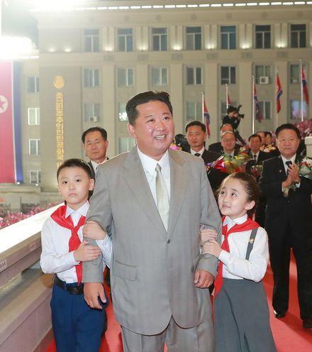 L31u97 kim jong un 73 parade x220
