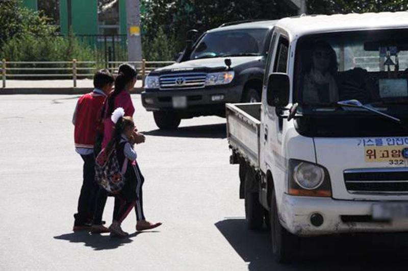 Есдүгээр сарын нэгэнд зам тээврийн ослын улмаас дөрвөн хүүхэд гэмтжээ