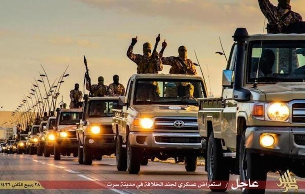 33ebf7e0173e Саяхан АНУ-ын засаг захиргаа Тоёота корпорациас яагаад Исламын улс бүлэглэл  олон тооны автомашиныг нь хэрэглэдэг талаар асуулга тавьсан.