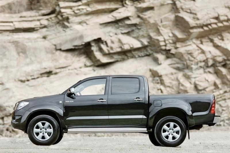 """6ec5532bcd8d Энэ нийтлэлд хуучин АНУ-ын армийн албан хаагч байсан, одоо Ойрх Дорнодын  асуудал хариуцсан туслах нарийн бичгийн дарга Эндрю Экзюм """"хаа сайгүй  Toyota ..."""