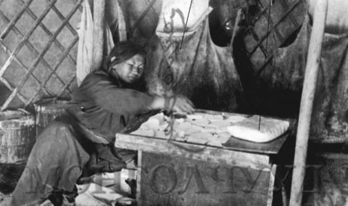 Монголчууд ХХ Зууны эхэнд хоол-н зурган илэрц
