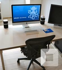 540882 minimalist desk x220