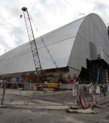 7954fb new safe confinement at chernobyl nuclear power plant october 2016 1 x220