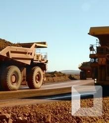 57b471 iron ore trucks x220