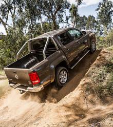 810daa volkswagen amarok highline tdi420 2016 drive climb3 x220