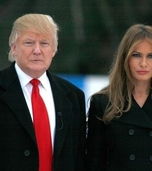 Df2d55 trump and melania x220