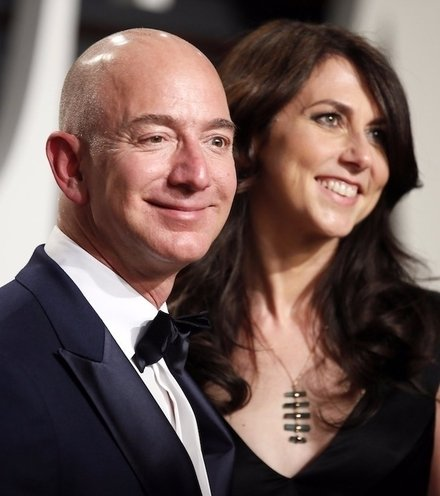 6dd62c jeff and mackenzie bezos x220