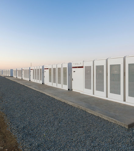 247801 tesla worlds biggest battery australia powerpacks 1 x220