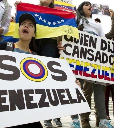 113261 venezuela riot x220