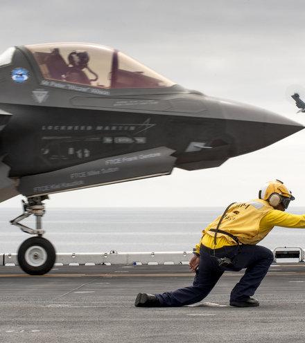 5a3779 f 35b takeoff x220