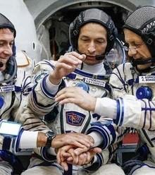 75ed63 russian cosmonauts x220