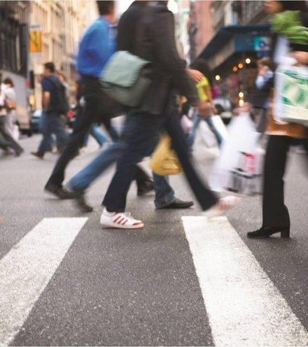Ed1b81 635940137919092091884939153 people walking blur low res x220