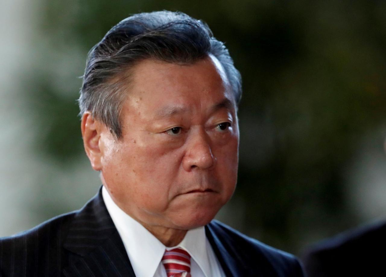 """Японы засгийн газрын """"болдоггүй"""" сайд огцорлоо"""
