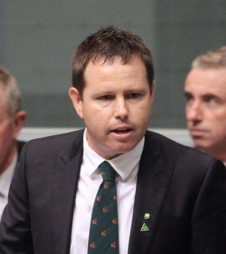 028429 australian assistant minister x220