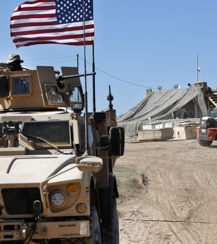 C43fd1 us troops in syria x220