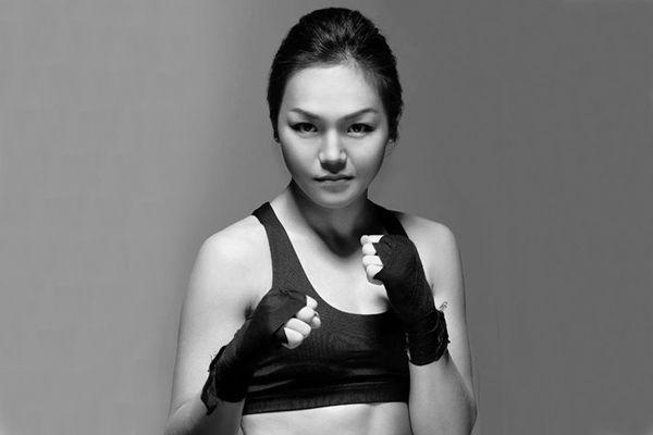 Дэлхийн аваргаас хүрэл медаль хүртсэн Монголын анхны эмэгтэй боксчин М.Нандинцэцэг