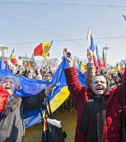 66e90e moldova protests x220