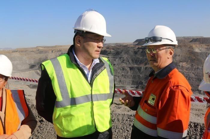 """8289f6_68eafe57197bb5f3big_x974 """"Төмөр зам баригдвал жилд 30 сая тонн нүүрс экспортолно"""""""