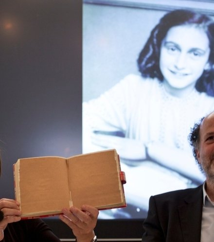 96a378 anne frank diary new pages x220