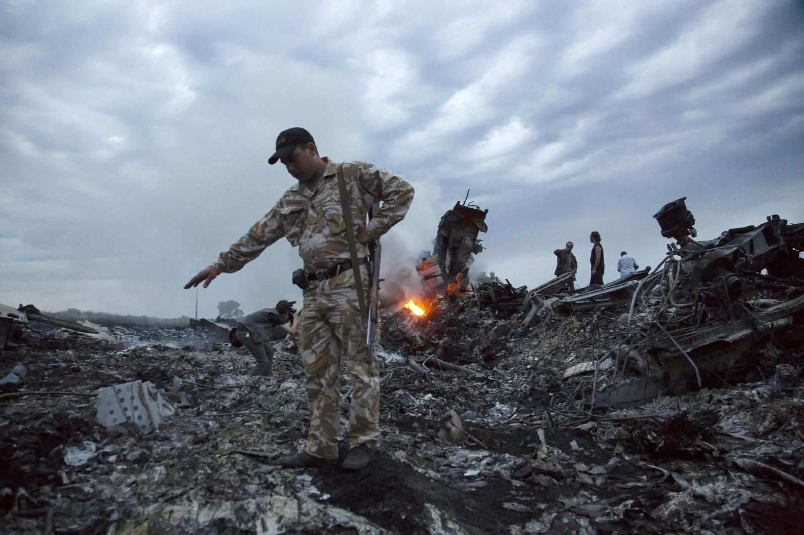 Оросын армийн пуужин MH17 нисэх онгоцыг унагасан гэж шинжээчид дүгнэжээ