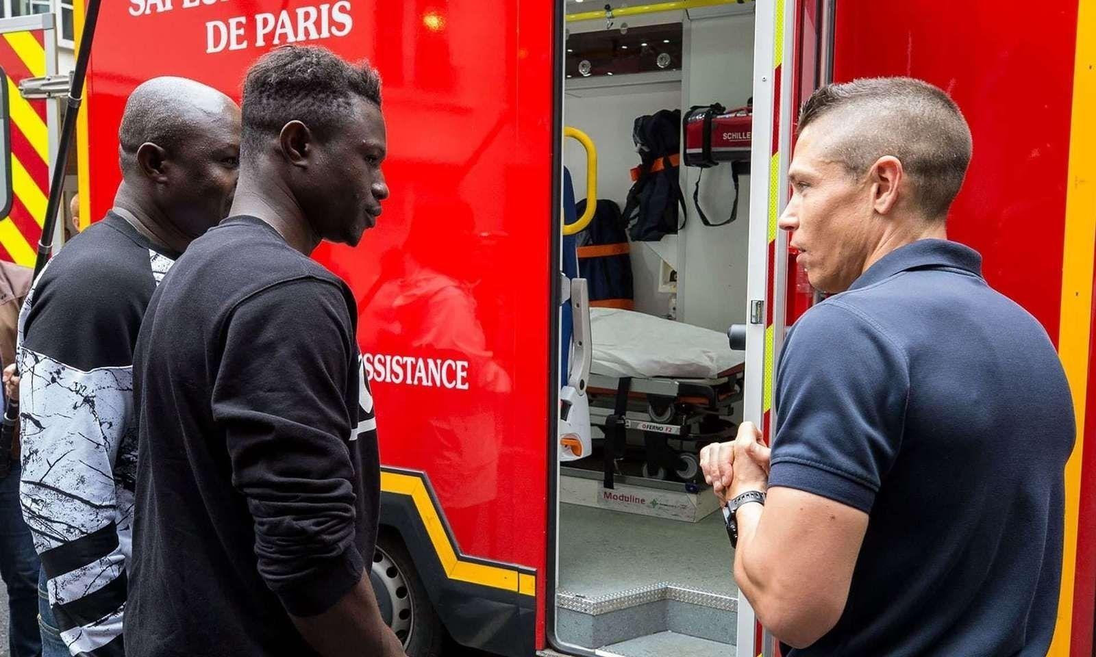 """Парисын """"хүн аалз"""" ажилд орж, тогтмол цалинтай болжээ"""