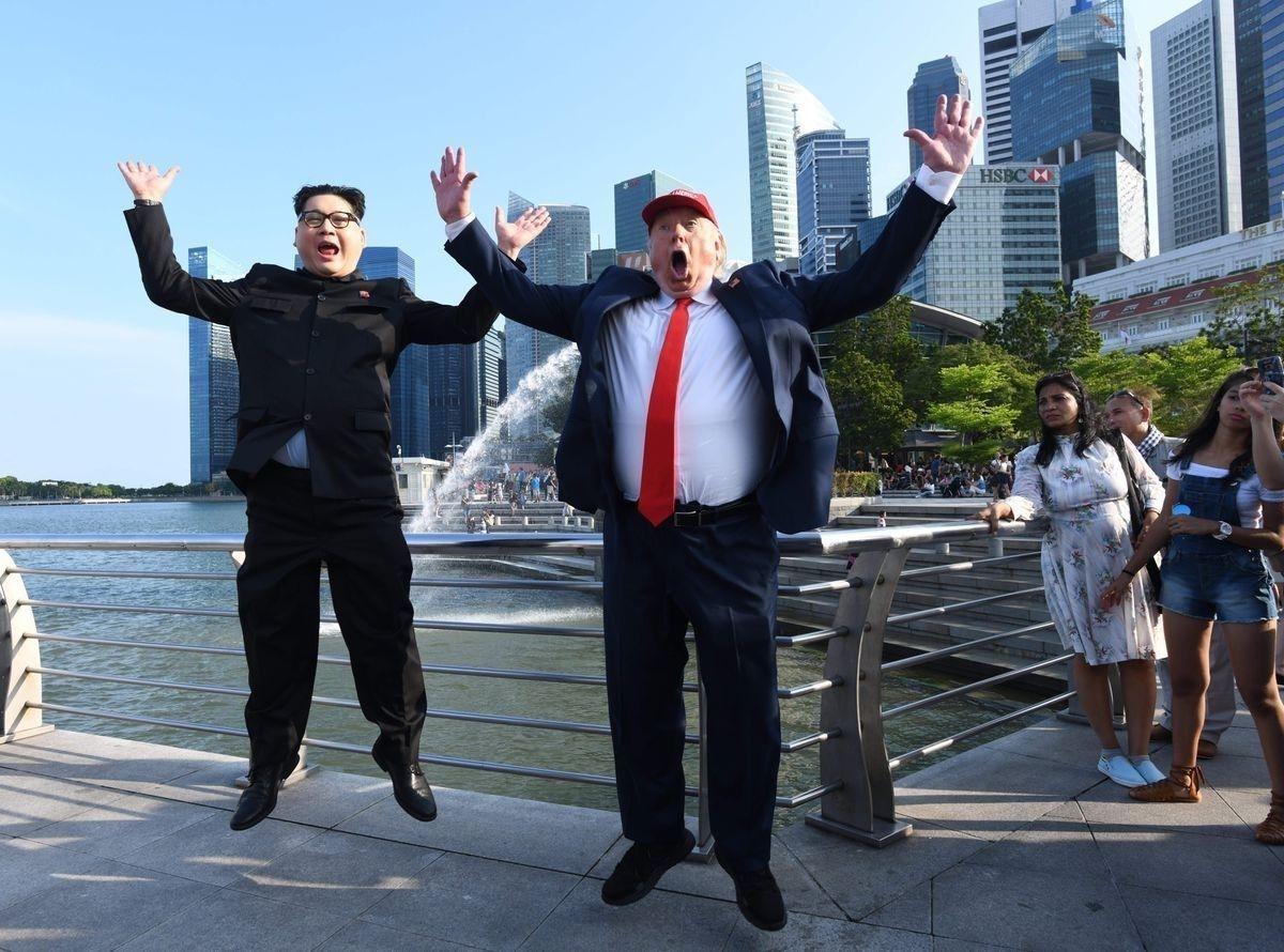 54b6da_4_x974 Хуурамч Трамп, Ким нар Сингапурт түрүүлж уулзжээ