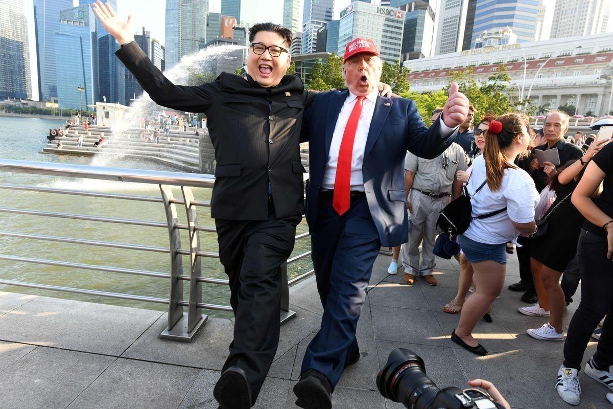 7ab98c_3_x974 Хуурамч Трамп, Ким нар Сингапурт түрүүлж уулзжээ