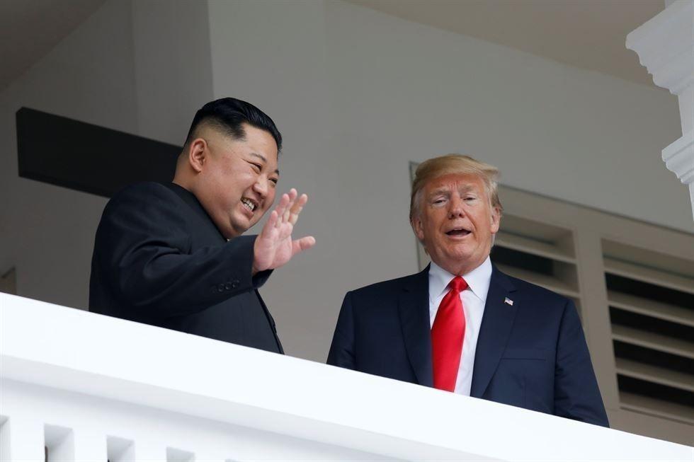 Трамп, Ким нар ганцаарчилж уулзсаны дараа өргөтгөсөн хэлэлцээр эхэлжээ