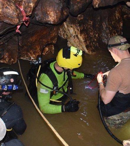 1edfac cave rescue x220